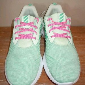 finest selection d5bc2 7cbc1 adidas Shoes - NWOB adidas  Alphabounce Rc Running Shoe 6.5